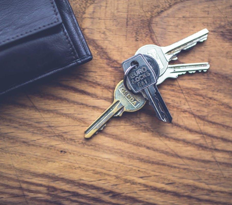 wood-top-keys-lock copie